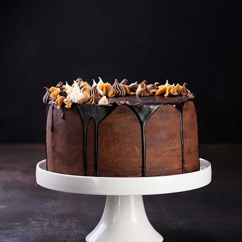 Dark Choco Dripping Cake